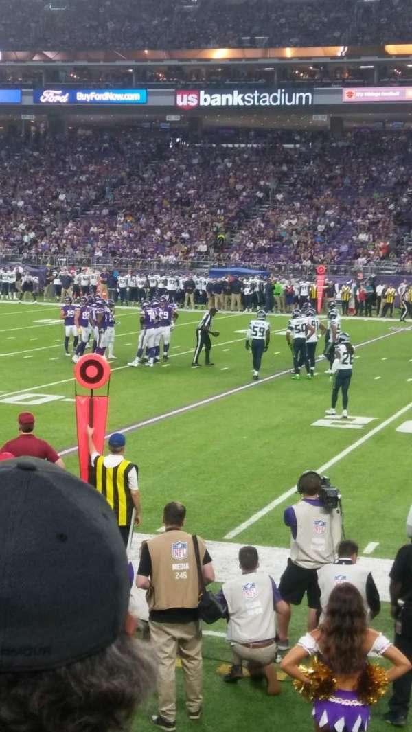 U.S. Bank Stadium, sección: 129, fila: 3