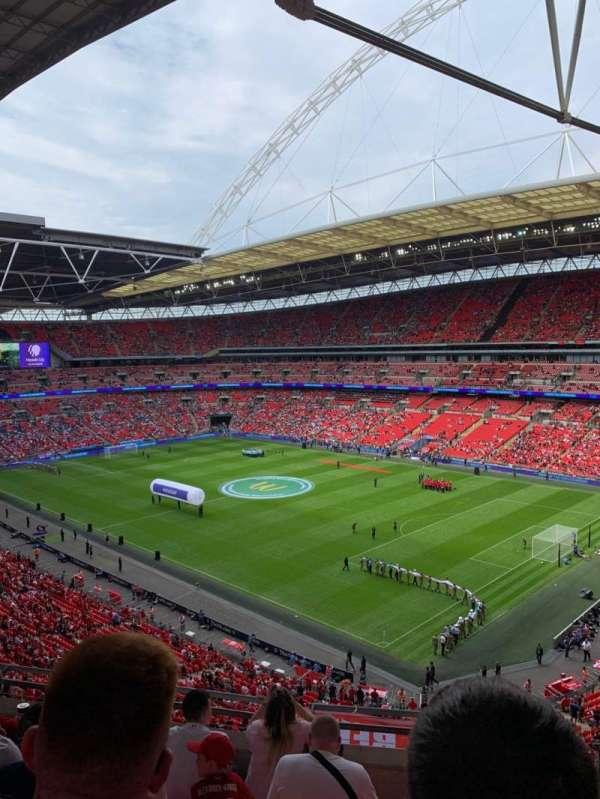 Wembley Stadium, sección: 520, fila: 6, asiento: 201