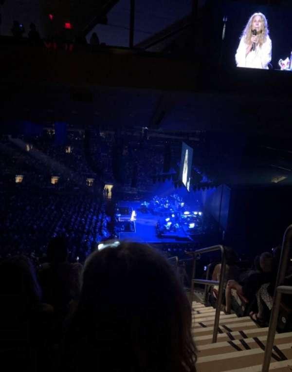 Madison Square Garden, sección: 212, fila: 17, asiento: 19