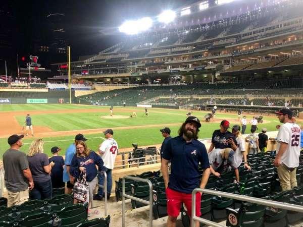Target Field, sección: 17, fila: 6, asiento: 8