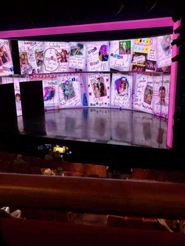 August Wilson Theatre, sección: Mezzanine R, fila: A, asiento: 10