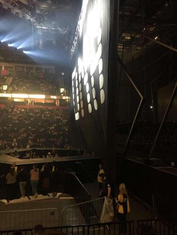Manchester Arena, sección: 115, fila: F, asiento: 19