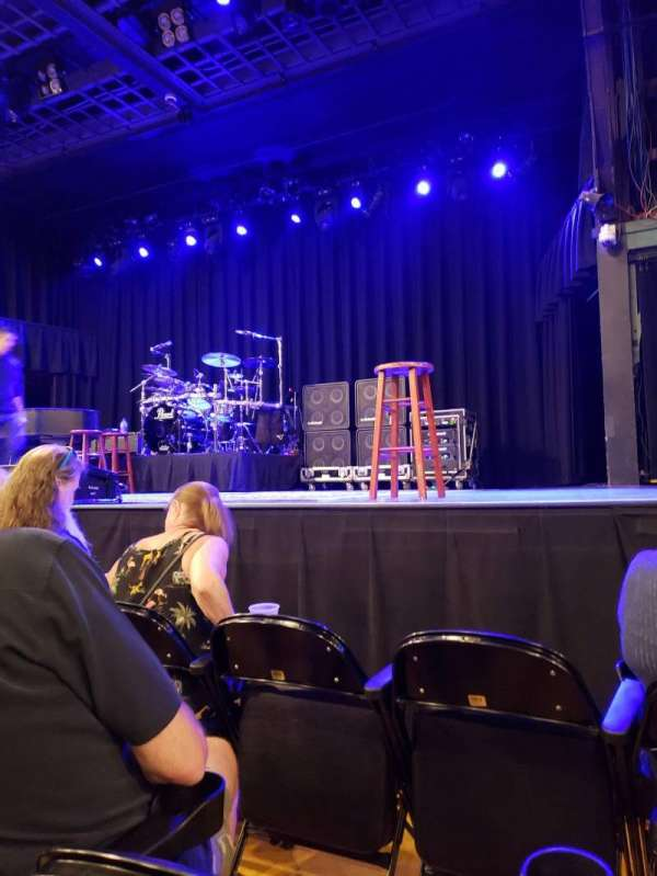 Hampton Beach Casino Ballroom, sección: Center 1, fila: CC, asiento: 8