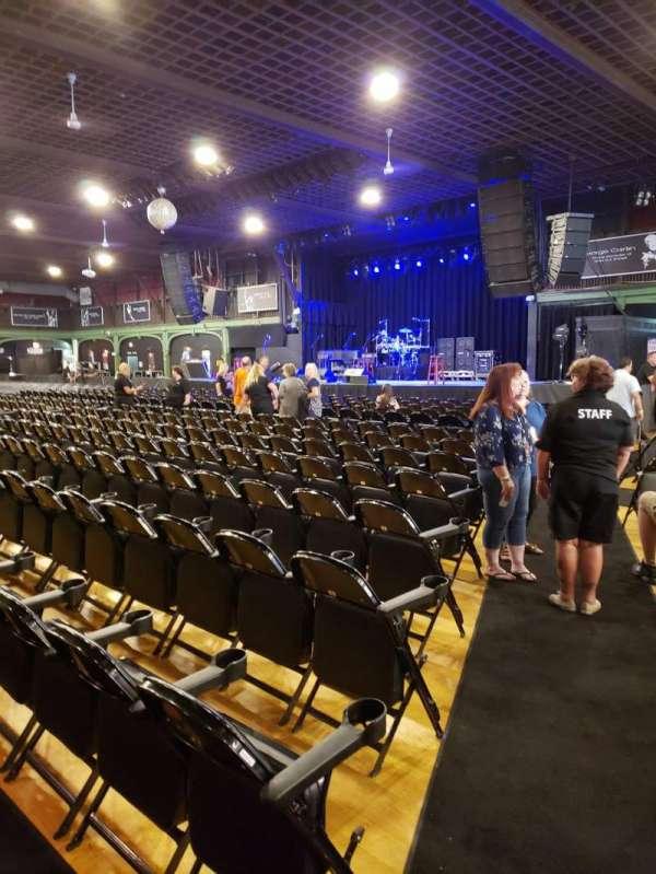 Hampton Beach Casino Ballroom, sección: Center Right Section 1, fila: LL, asiento: 22