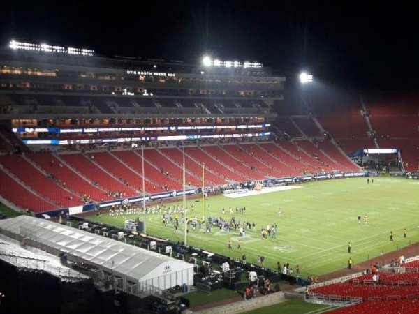 Los Angeles Memorial Coliseum, sección: 310B, fila: 22, asiento: 18