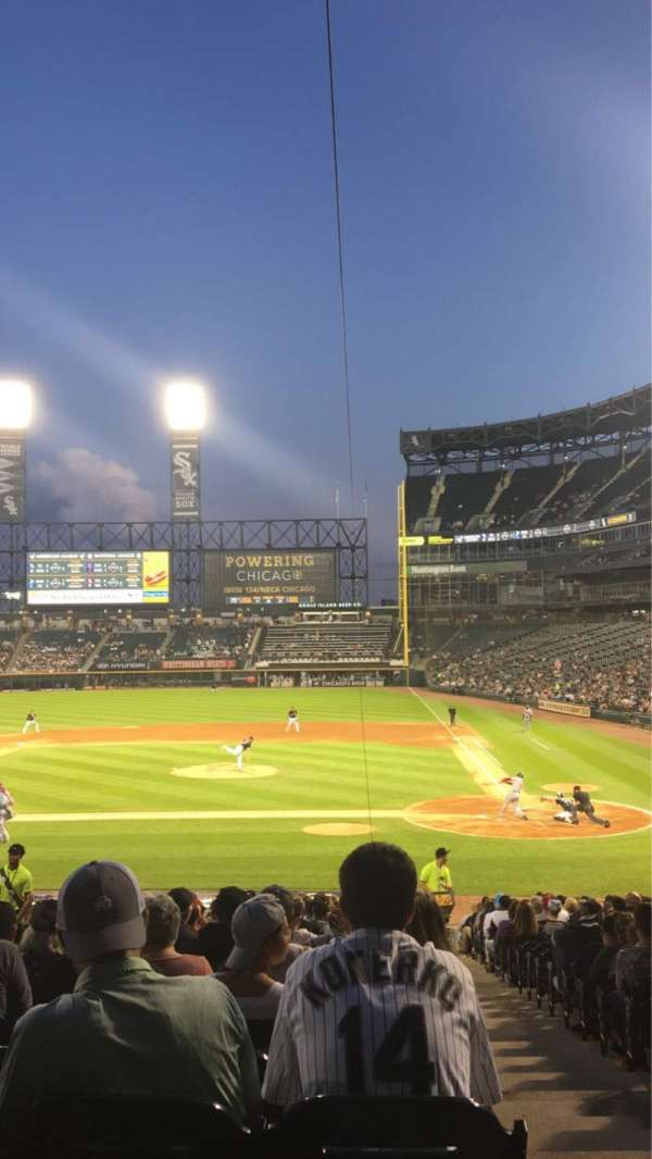 Guaranteed Rate Field, sección: 137, fila: 28, asiento: 1