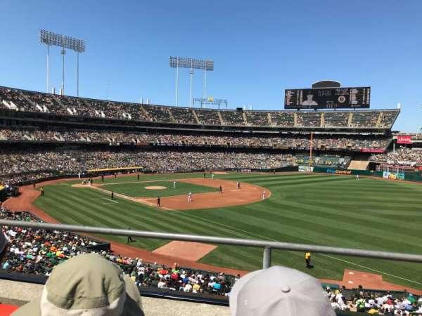 Oakland Coliseum, sección: 206, fila: 2, asiento: 10