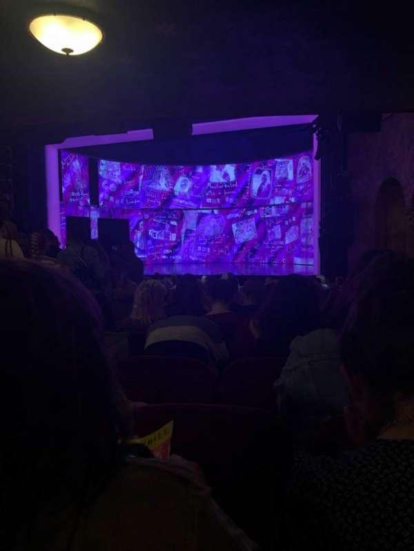 August Wilson Theatre, sección: Orchestra R, fila: T, asiento: 10