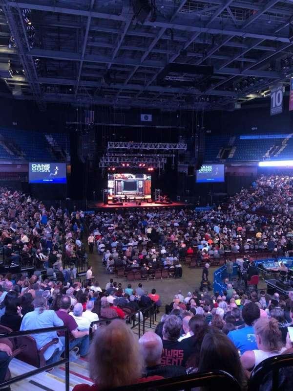Mohegan Sun Arena, sección: 21, fila: T, asiento: 18