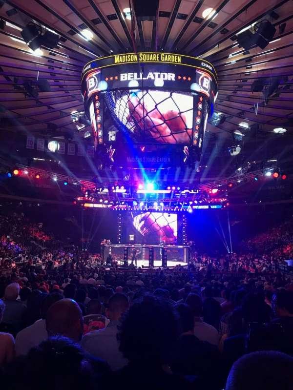 Madison Square Garden, sección: 2, fila: 18, asiento: 17