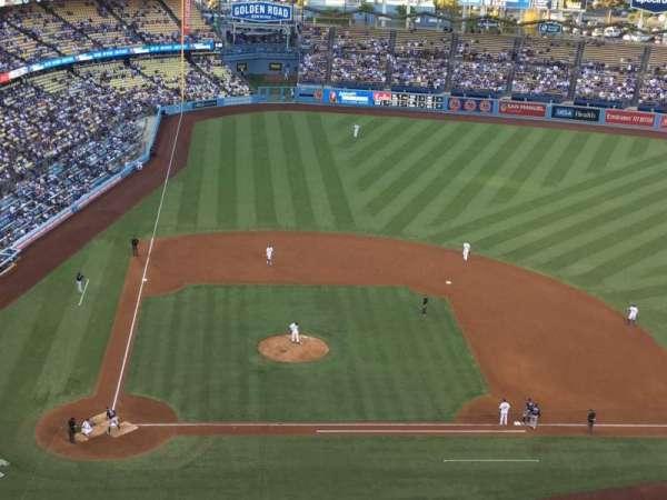 Dodger Stadium, sección: 10TD, fila: J, asiento: 18