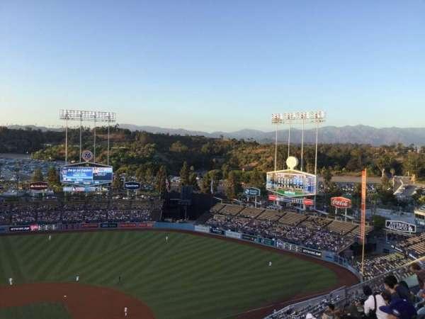 Dodger Stadium, sección: 10TD, fila: J, asiento: 16