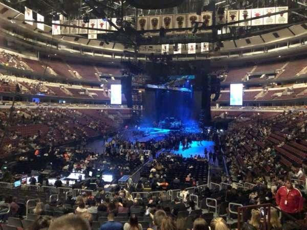 United Center, sección: 106, fila: 19, asiento: 13