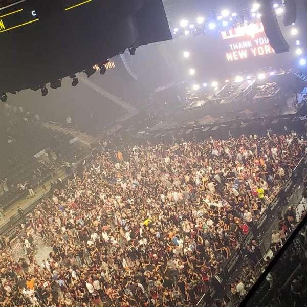 Madison Square Garden, sección: 310, fila: 2, asiento: 1