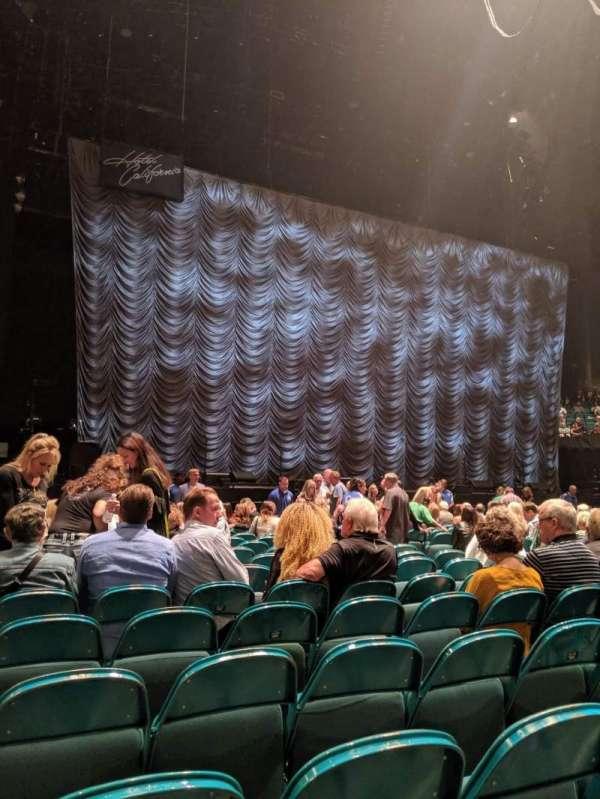 MGM Grand Garden Arena, sección: FLoor C, fila: R, asiento: 10