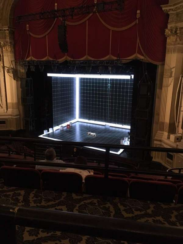 Citizens Bank Opera House, sección: Mezzanine R, fila: A, asiento: 14