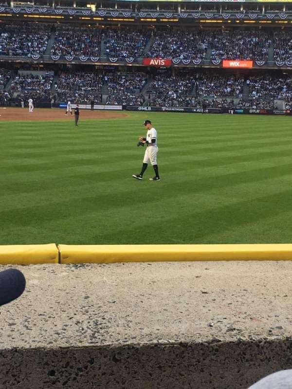 Yankee Stadium, sección: 104, fila: 2, asiento: 15