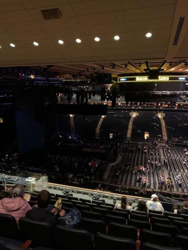 Madison Square Garden, sección: 224, fila: 11, asiento: 7