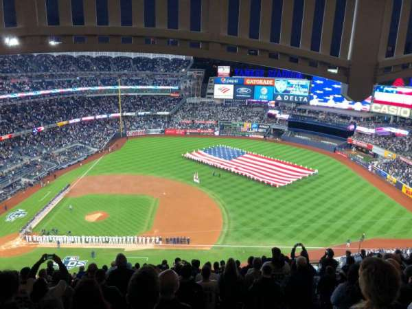 Yankee Stadium, sección: 415, fila: 14, asiento: 16
