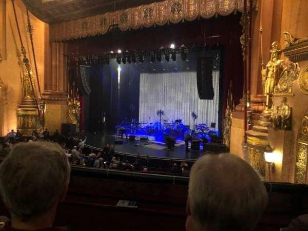 Beacon Theatre, sección: Loge 4, fila: B, asiento: 38