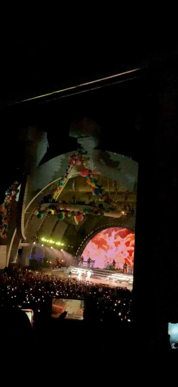 Hollywood Bowl, sección: F3, fila: 4, asiento: 30 and 32