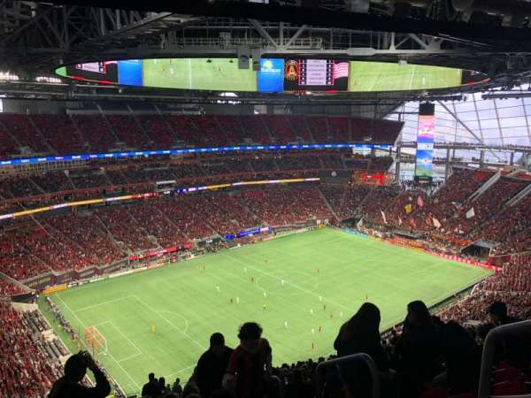 Mercedes-Benz Stadium, sección: 318, fila: 25, asiento: 15