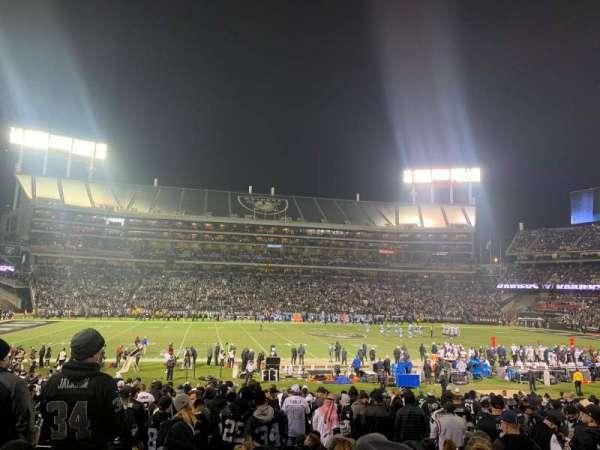Oakland Coliseum, sección: 119, fila: 25, asiento: 12