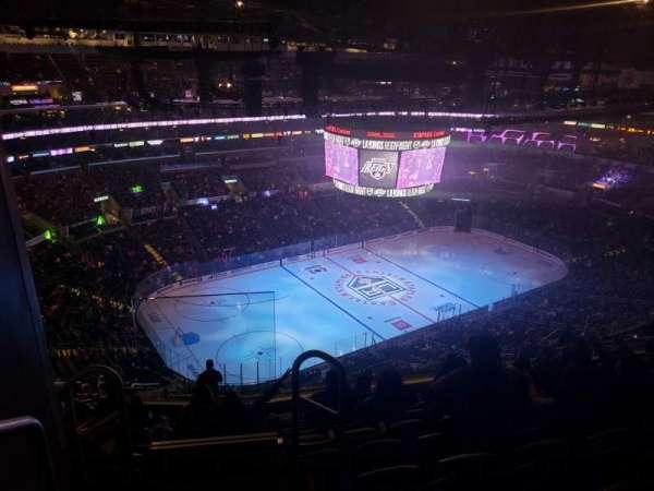 Staples Center, sección: 304, fila: 15, asiento: 24