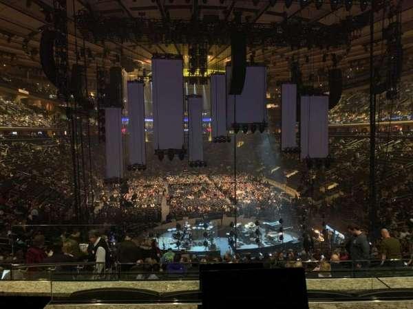 Madison Square Garden, sección: Club 62, fila: 3, asiento: 2