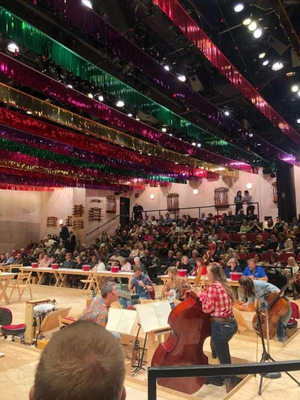Circle in the Square Theatre, sección: Orchestra 100 (Odd), fila: C, asiento: 117