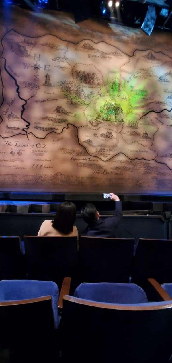 Gershwin Theatre, sección: Orchestra C, fila: dd, asiento: 106