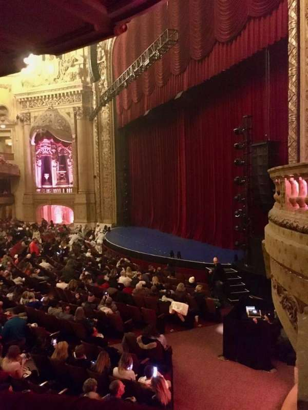 Chicago Theatre, sección: Mezzanine Box A, asiento: 1 - 2