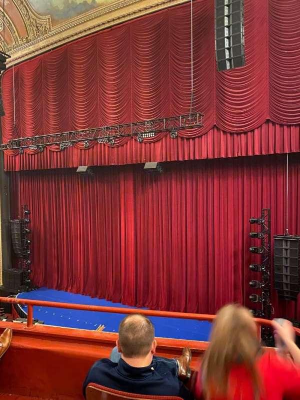 Chicago Theatre, sección: Loge2R, fila: Cc, asiento: 204