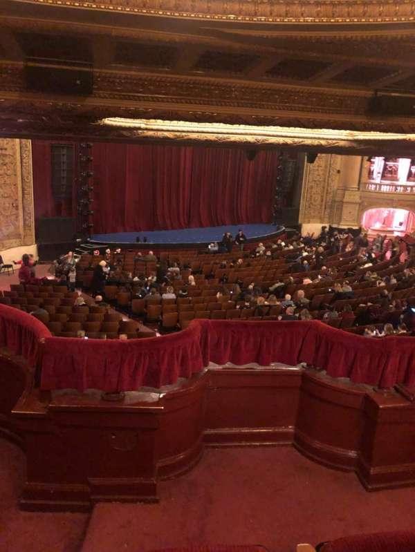Chicago Theatre, sección: Booth T, asiento: 1