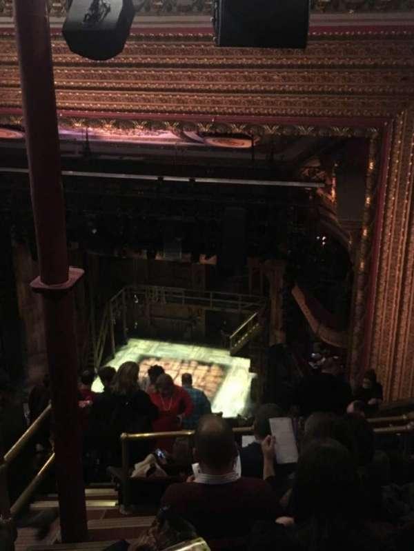 CIBC Theatre, sección: Balcony R, fila: M, asiento: 2