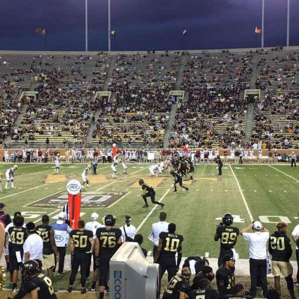 BB&T Field, sección: 6, fila: H, asiento: 8