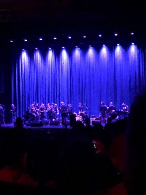Beacon Theatre, sección: Orchestra 2, fila: W, asiento: 4