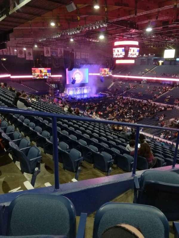Allstate Arena, sección: 216, fila: L, asiento: 62