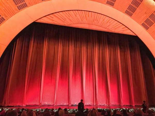 Radio City Music Hall, sección: Orchestra 5, fila: PO, asiento: 504