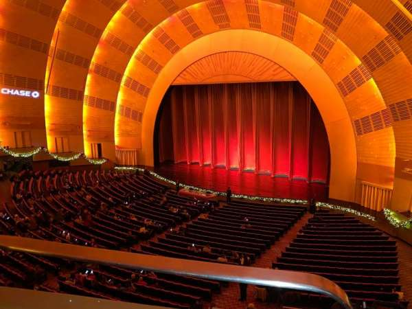 Radio City Music Hall, sección: 2nd Mezzanine 1, fila: BB, asiento: 110