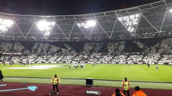 London Stadium, sección: 111, fila: 6, asiento: 250