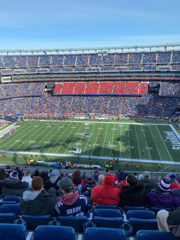 Gillette Stadium, sección: 330, fila: 16, asiento: 8