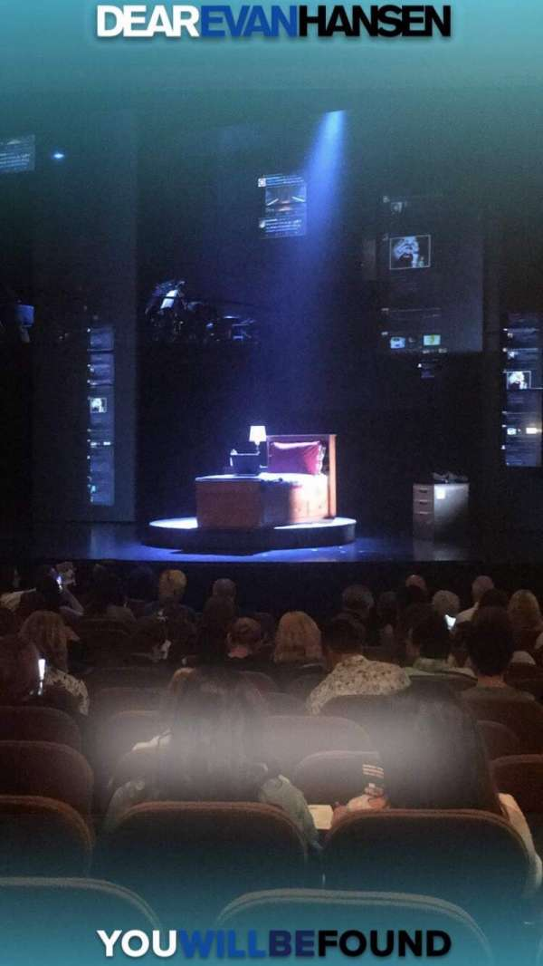 Music Box Theatre, sección: Orchestra R, fila: P, asiento: 24