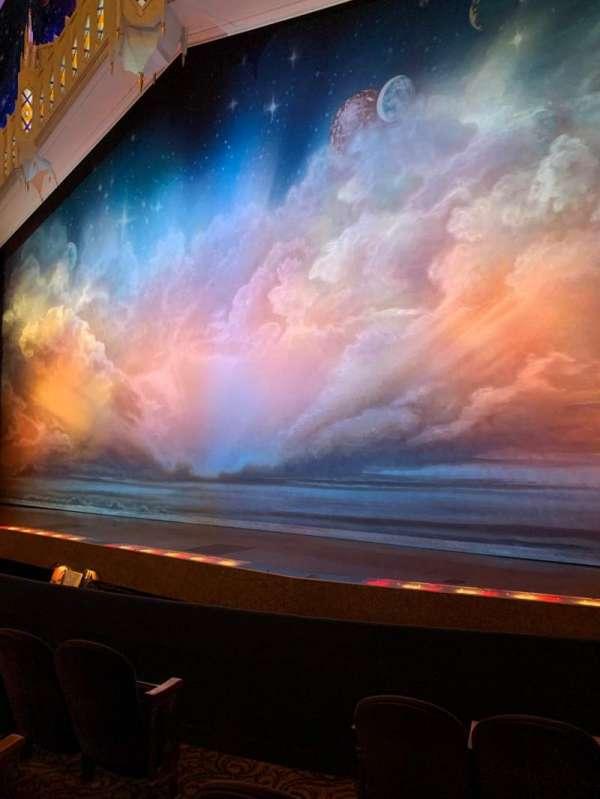 Eugene O'Neill Theatre, sección: Orchestra R, fila: E, asiento: 4-8