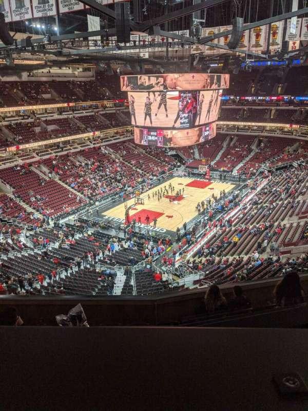 United Center, sección: 306, fila: 8, asiento: 12