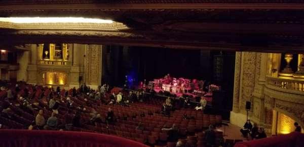 Chicago Theatre, sección: Mezzanine Box F, asiento: 3
