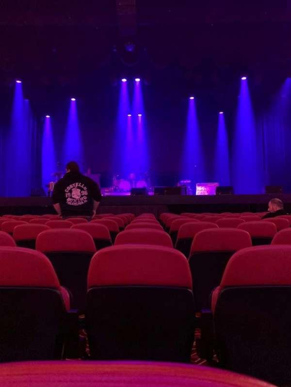 Xcite Center at Parx Casino, sección: Center, fila: L, asiento: 109
