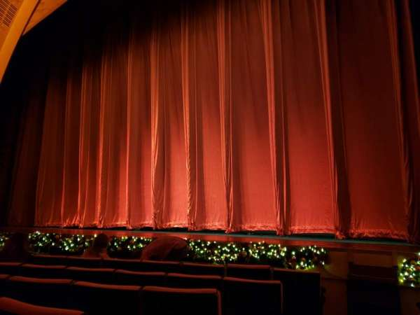 Radio City Music Hall, sección: Orchestra 2, fila: HH, asiento: 214