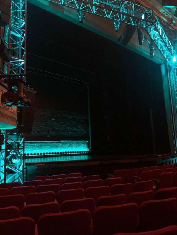 Broadhurst Theatre, sección: Orchestra L, fila: J, asiento: 17