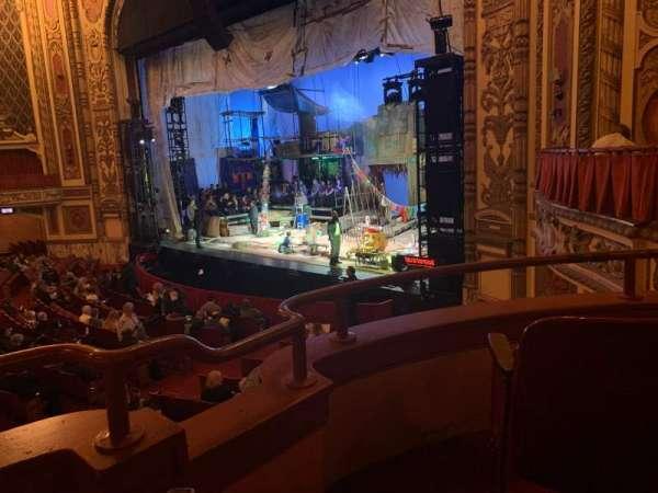 Cadillac Palace Theater, sección: DCIRFR, fila: CC, asiento: 6